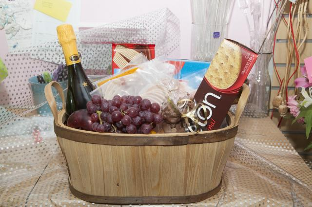 Birthday_Gift_Basket_Port_Alberni.jpg