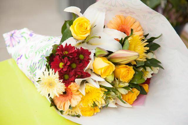 Happy_Anniversary_Flower_Bouquets_Port_Alberni.jpg