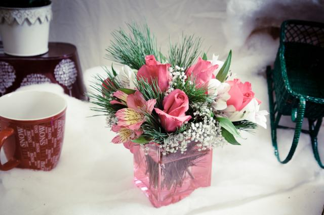 Christmas_Roses_Arrangement_Port_Alberni.jpg